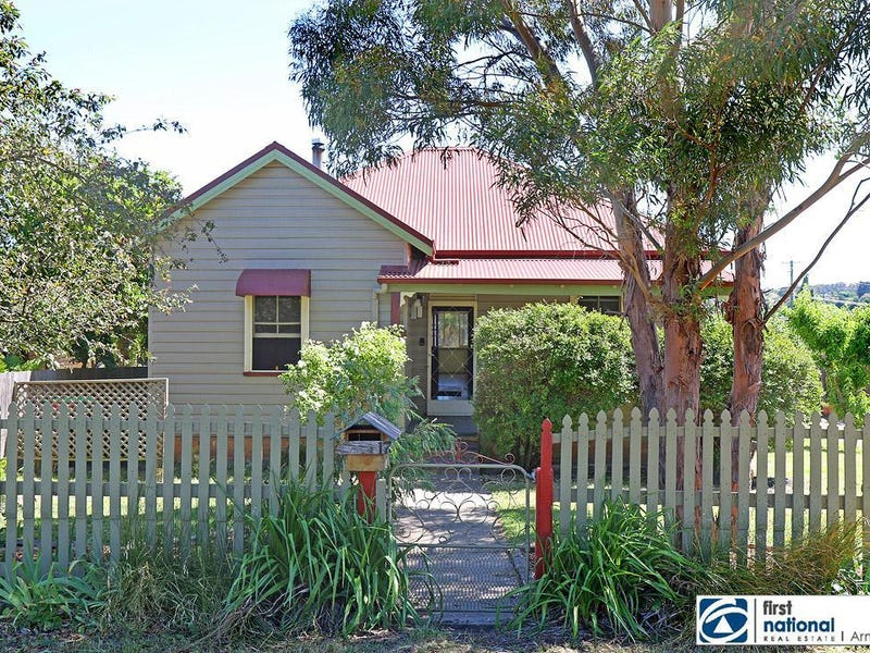 17 Wigan Avenue, Armidale, NSW 2350