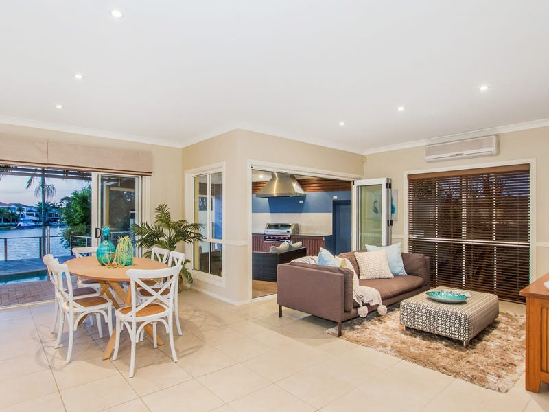 42 Clipper Boulevard, Clear Island Waters, Qld 4226
