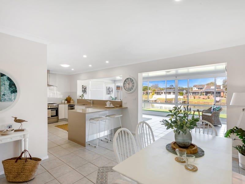 16 Laguna Place, Port Macquarie, NSW 2444