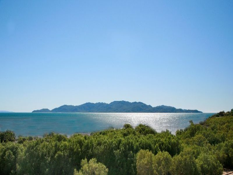 108 The Esplanade, Rowes Bay, Qld 4810