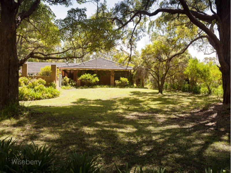 33 McDonell  Crescent, Kundle Kundle, NSW 2430