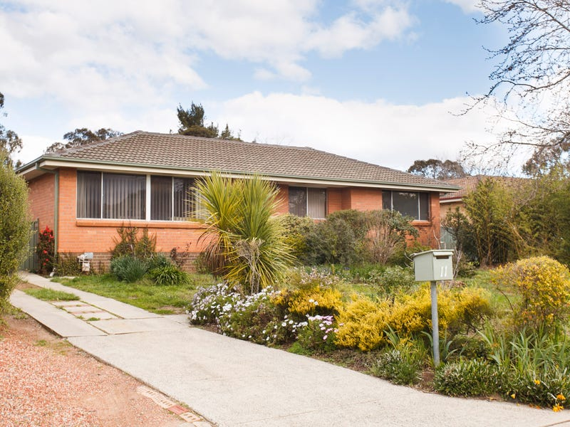 11 Powers Place, Latham, ACT 2615