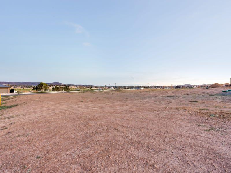 13 Brooklands Circuit, Goulburn, NSW 2580