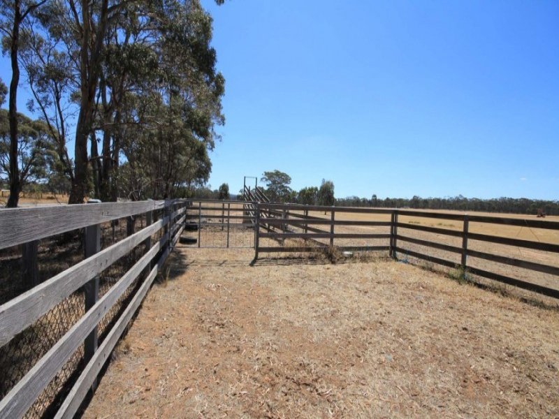 276 Stuart Mill Road, Dunolly, Vic 3472
