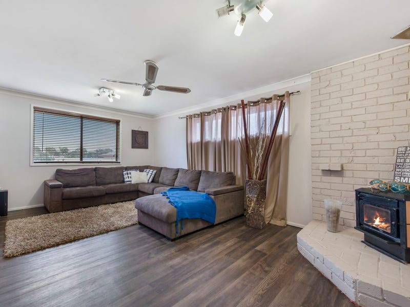 46 Campbell Parade, Mannering Park, NSW 2259