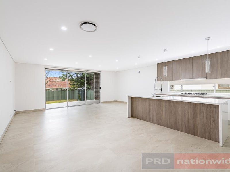 6 Kerrie Crescent, Panania, NSW 2213