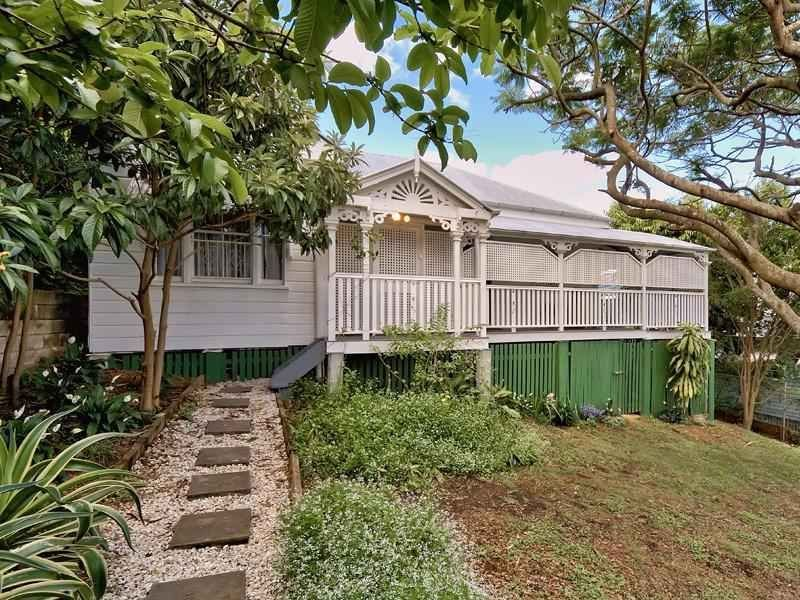 24 Strath Street, Highgate Hill, Qld 4101