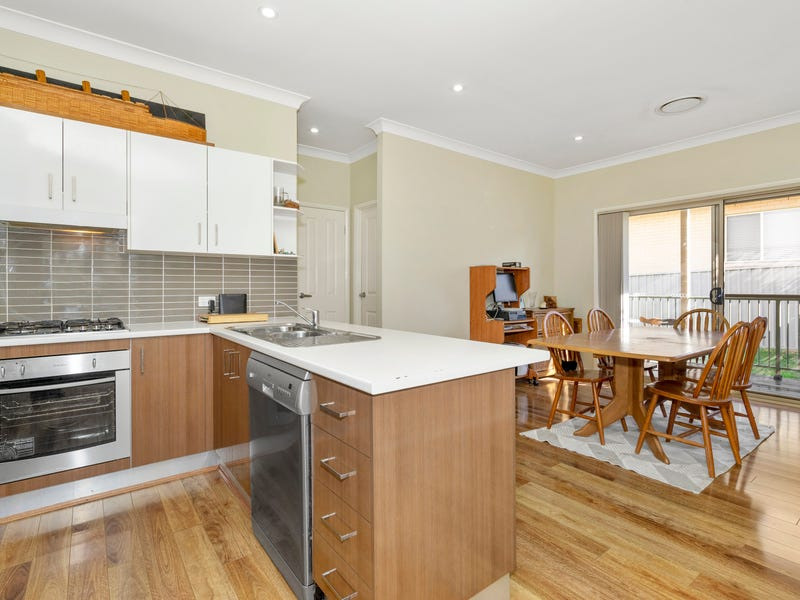 2/17-19 Pumphouse Crescent, Rutherford, NSW 2320
