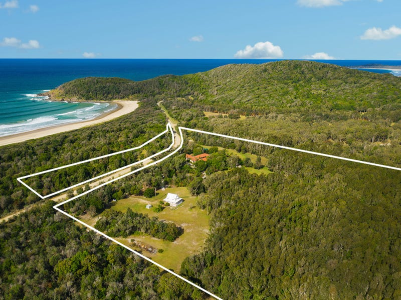 1090 Point Plomer Road, Crescent Head, NSW 2440
