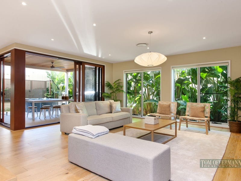 9 Lake Edge Drive, Noosa Heads, Qld 4567