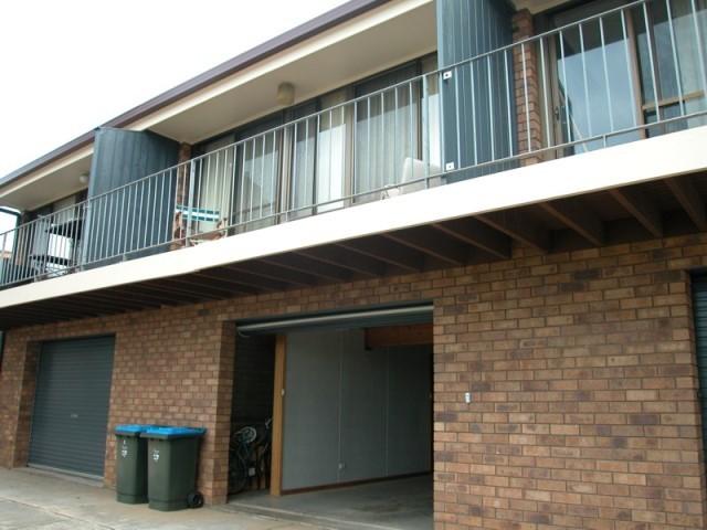 2/9 Adey Street, Victor Harbor, SA 5211