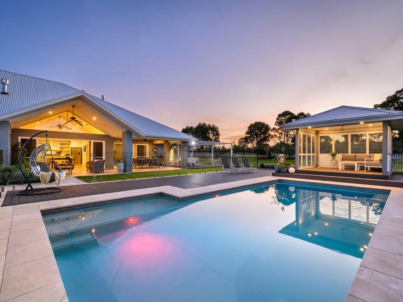 27 Halmstad Boulevard, Luddenham, NSW 2745