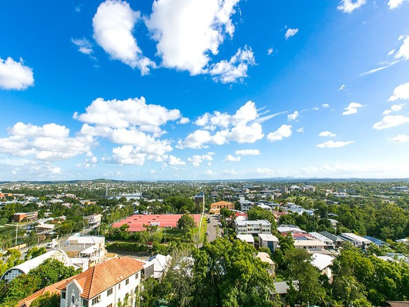Australia 39 s largest list of properties to buy or rent for 136 dornoch terrace highgate hill