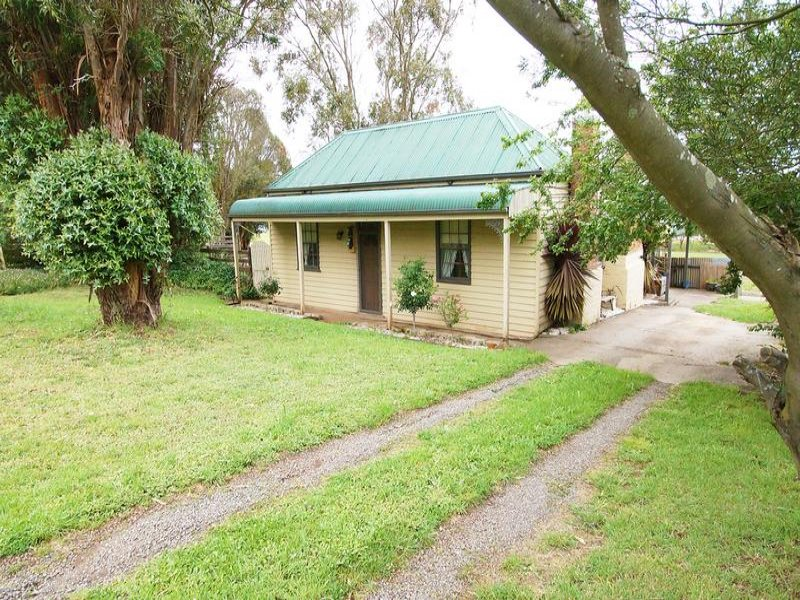 32 Warrenhiep Road, Warrenheip, Vic 3352