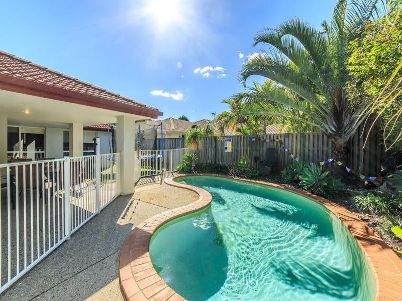8 Williams Place, Pacific Pines, Qld 4211