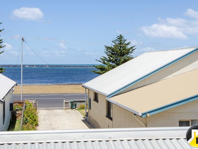 69 Sea Parade, Port Macdonnell, SA 5291
