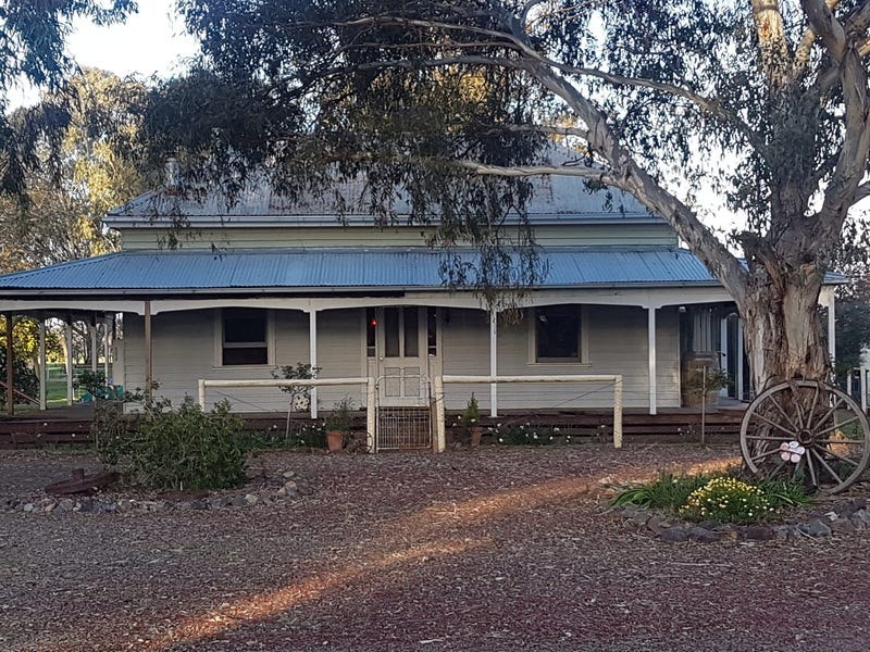 1594 Benalla Tocumwal Road, Devenish, Vic 3726