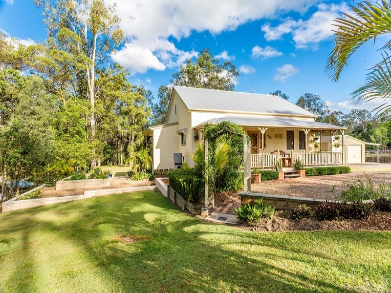 4 Sully Close, Jones Hill, Qld 4570