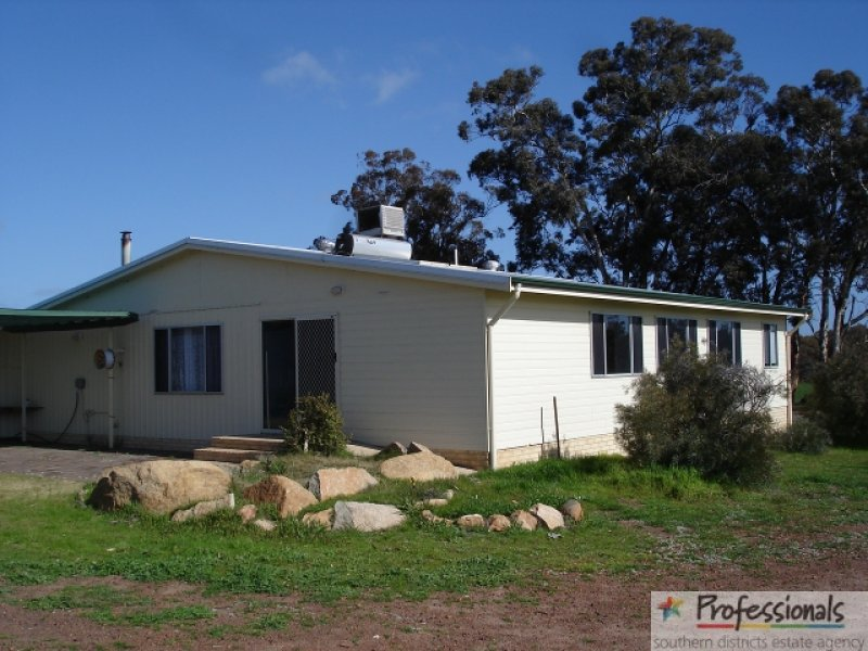 Address available on request, Wardering, WA 6311