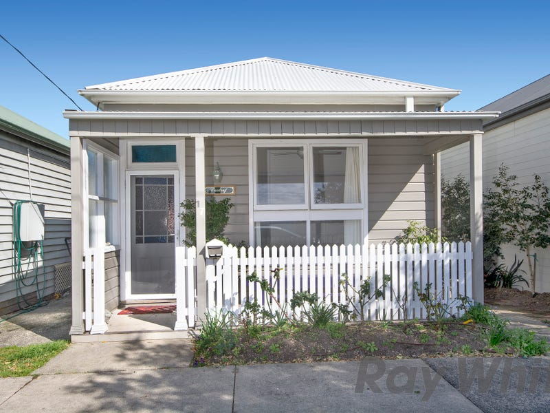17 Young Street, Carrington, NSW 2294