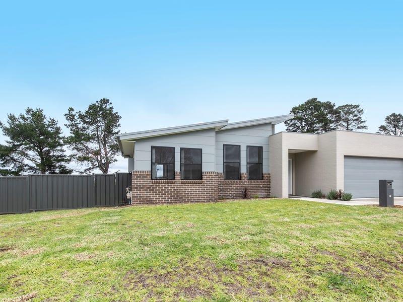 22 Huxtable Place, Goulburn, NSW 2580
