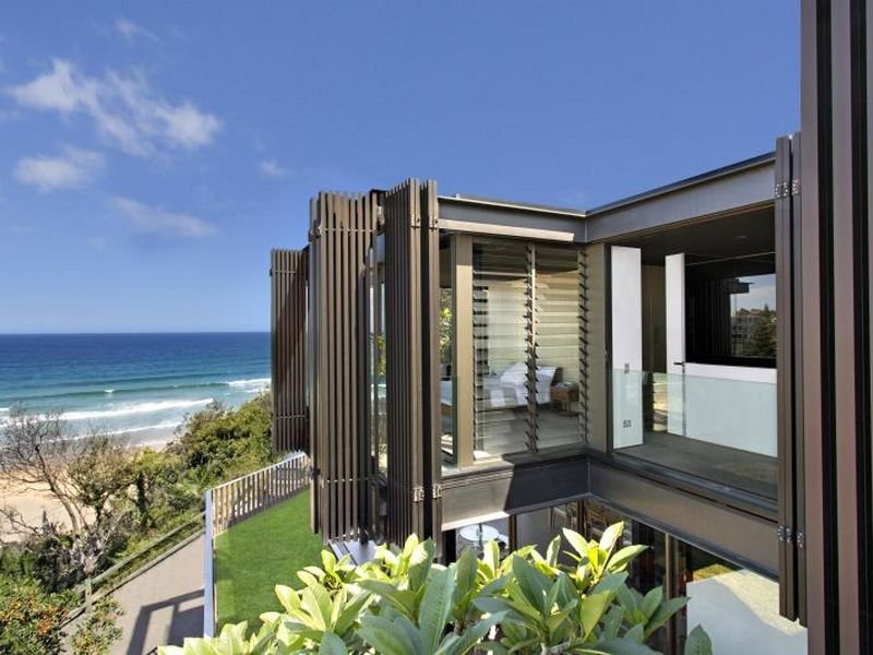 75 Undercliff Road Freshwater Nsw 2096 Property Details