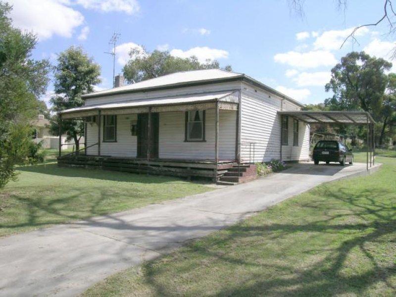 94 Sparrowhawk Road, West Bendigo, Vic 3550
