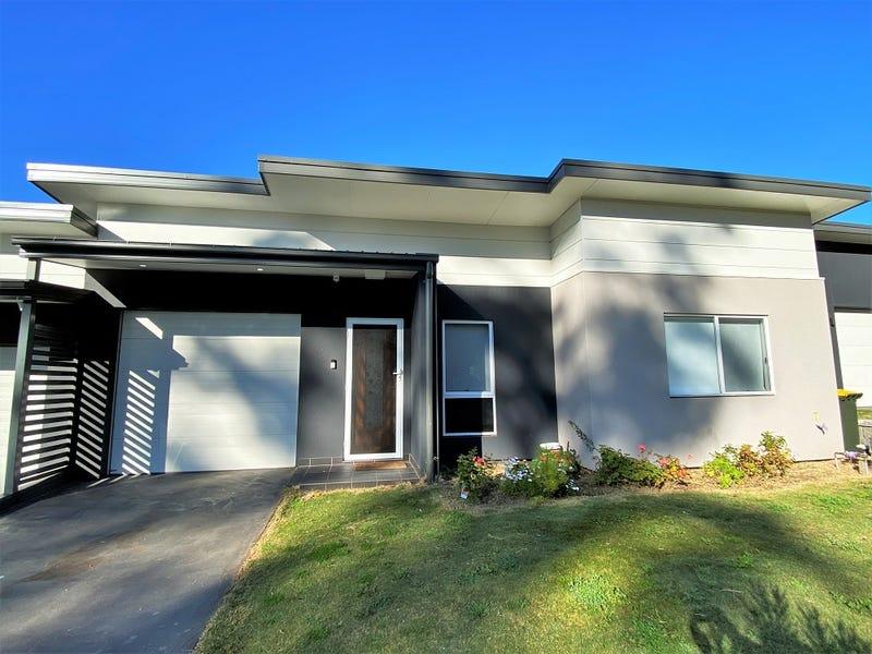 56 Atlantic Boulevard, Glenfield, NSW 2167