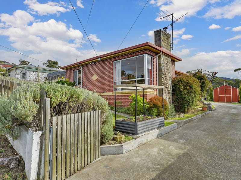 26 Corinda Grove, West Moonah, Tas 7009