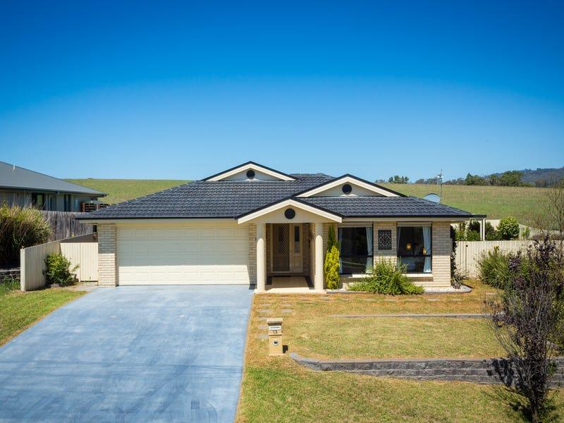 13 Koma Circuit, Bega, NSW 2550