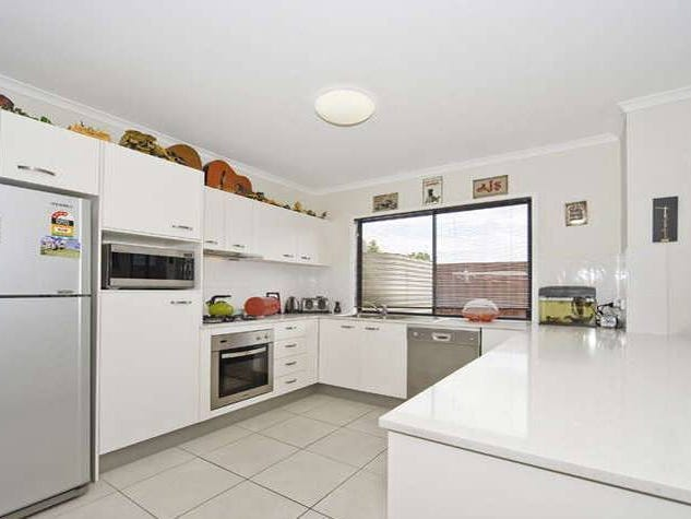 10 Station Avenue, Enoggera