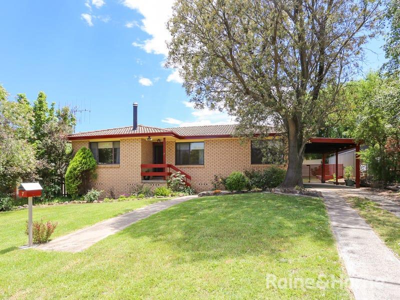 7 Trumper Place, Windradyne, NSW 2795