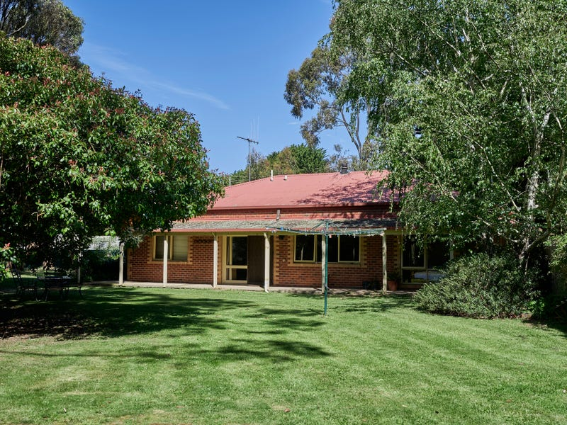 3 Dryden Court, Woodend North, Vic 3442
