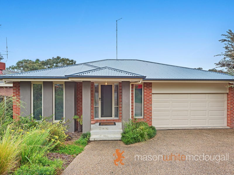 4 Warrington Crescent, Wattle Glen, Vic 3096