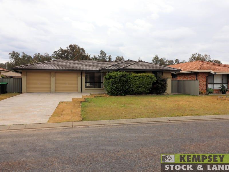 2 Bert Dyson Place, West Kempsey, NSW 2440