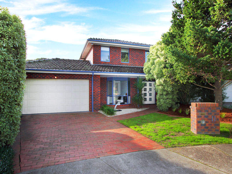 11 Lumeah Court, Dingley Village, Vic 3172