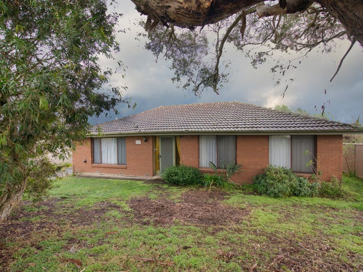 810 Bond Street, Mount Pleasant, Vic 3350