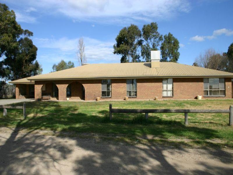 363 Speewa Punt Road, Speewa, Vic 3585