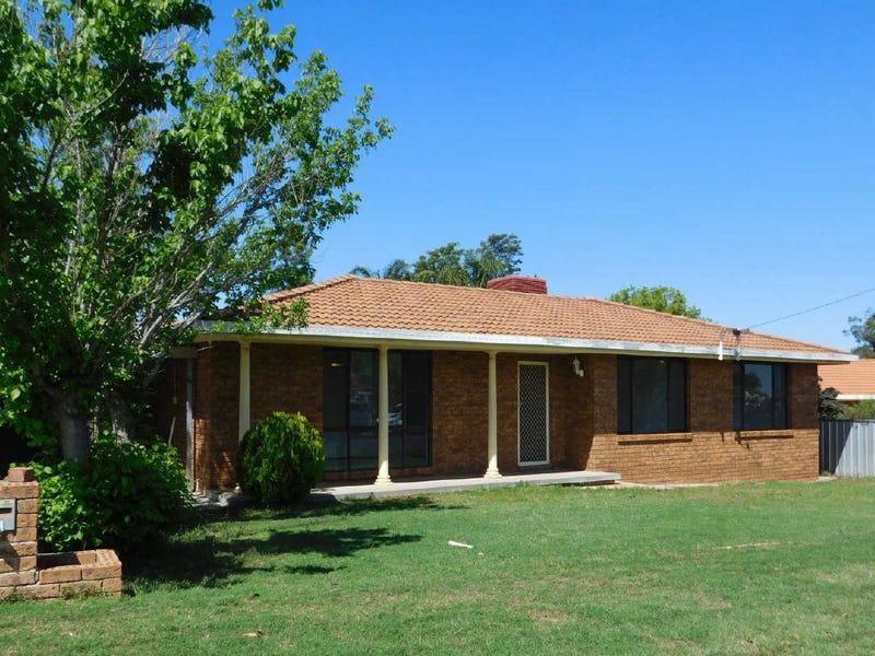 26  MACGREGOR STREET, West Tamworth, NSW 2340