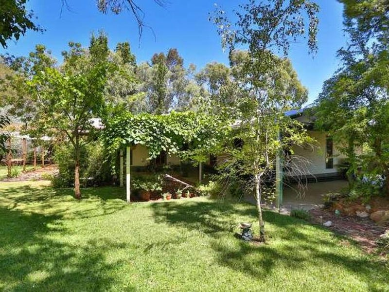 94 Acacia Road, Curlwaa, NSW 2648