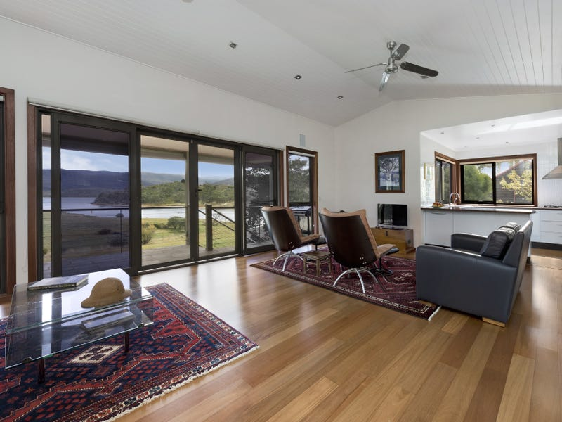 18 Rosemary Circuit, Kalkite, NSW 2627