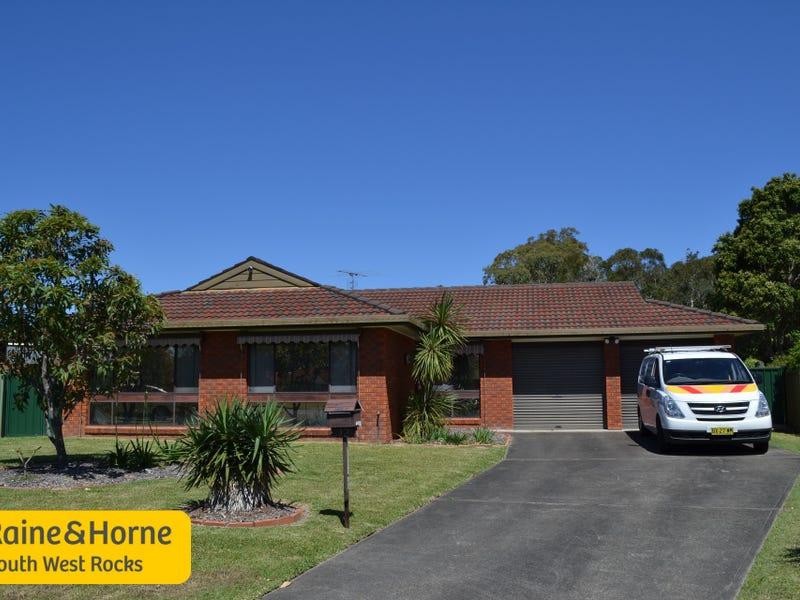 12 Delmer Close, South West Rocks, NSW 2431
