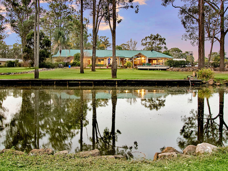 6 Avon Place, Windsor Downs, NSW 2756
