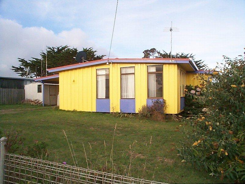 8 Blackwood Street, Grassy, Tas 7256