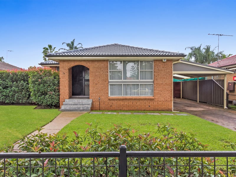 74  Tallagandra Drive,, Quakers Hill, NSW 2763