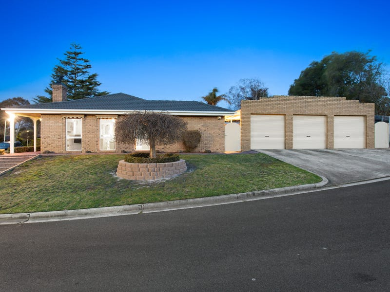 1 Dorchester Court, Frankston, Vic 3199