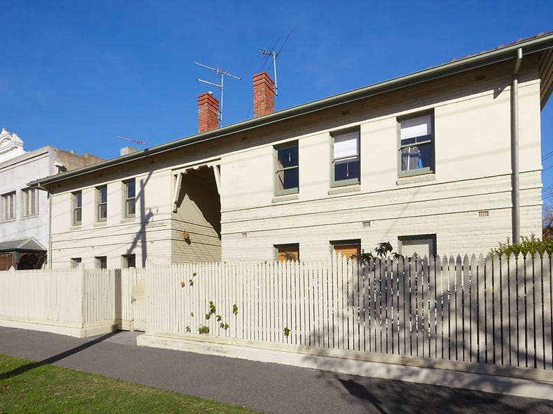 2/61 Canterbury Road, Middle Park, Vic 3206