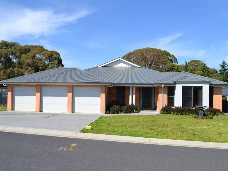 4 Surveyors Way, South Bowenfels, NSW 2790