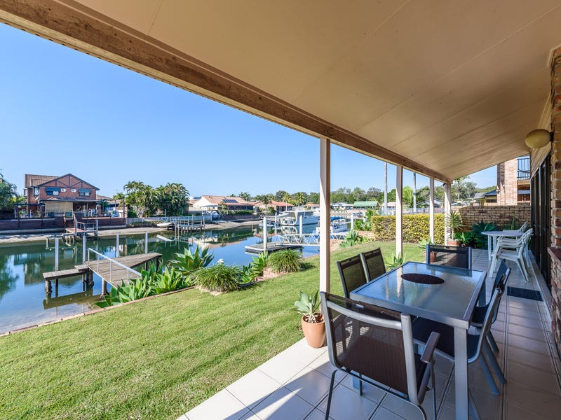 13 Marco Polo Place, Hollywell