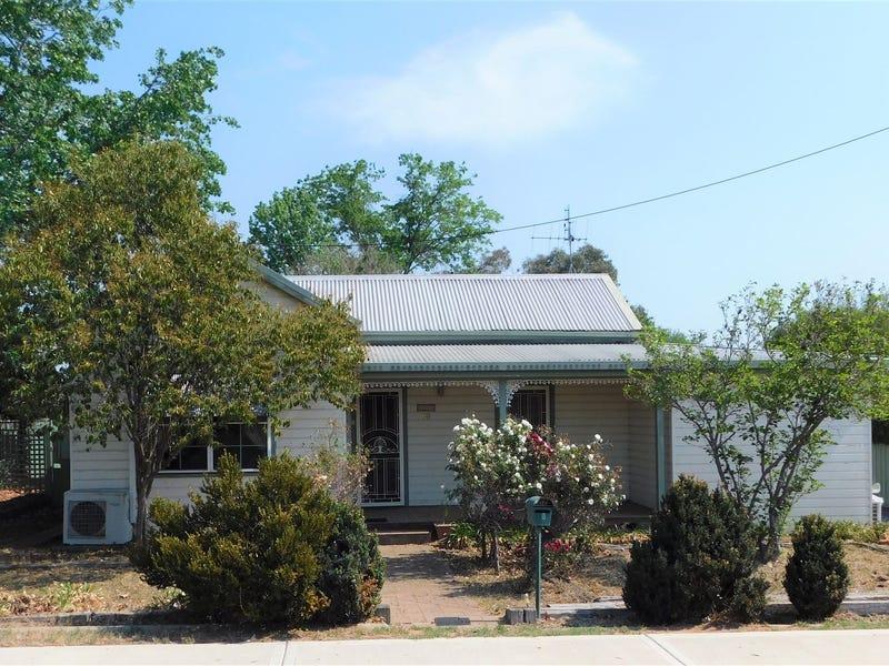 69 Edwards St, Coonabarabran, NSW 2357